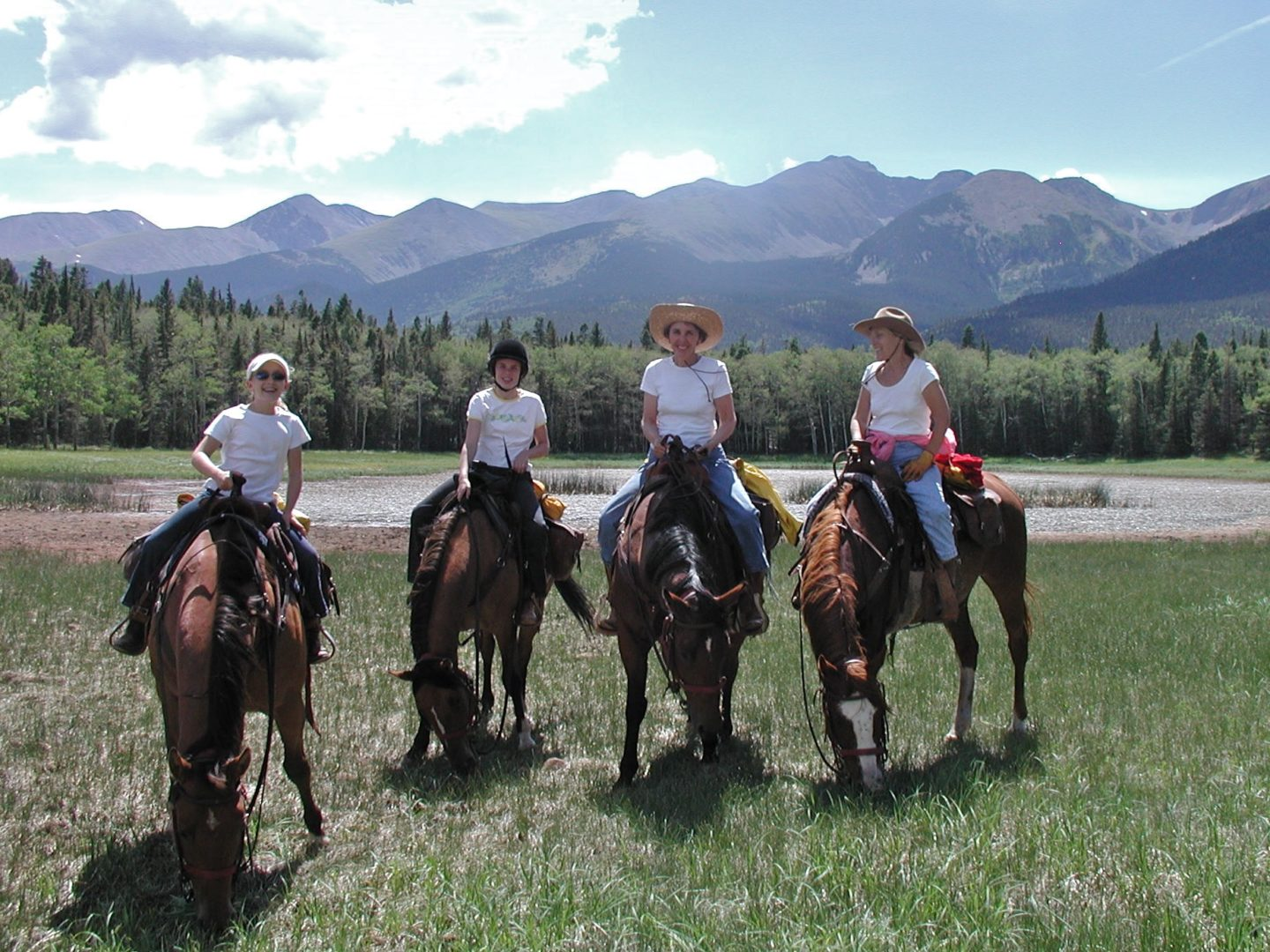 Horseback ride to Duling Lakes
